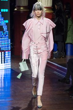 Classy Pastel Streetstyle by Kenzo Fall 2016 Ready-to-Wear Fashion Show #pastel #aw16 #runway