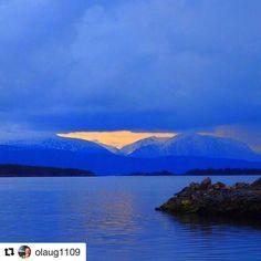 Fremtidens lys. #reiseliv #reisetips #reiseblogger #reiseråd  #Repost @olaug1109 with @repostapp  Molde#sea2fjord #bestcap2day #natura_love_ #ig_week_scandinavia #bestwaterpics #pocket_waters #landscapesofnorway #fever_natura #we_heart_norway #peeksofnorway #bns_features #bns_mountains