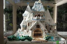 These are truly elaborate gingerbread houses. It's incredible how much money and time a person will put into building a gingerbread house. Gingerbread House Pictures, Gingerbread Castle, Cool Gingerbread Houses, Christmas Gingerbread House, Gingerbread Cookies, Christmas Cookies, Christmas Houses, Christmas Villages, Victorian Christmas