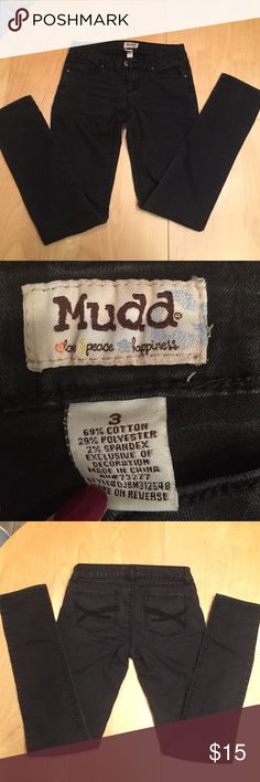 Black skinny jeans These jeans are in excellent condition and are super soft and comfy! They are mudd brand, listing as forever because they are better quality than the forever 21 jeans I own they just don't fit anymore :( Forever 21 Jeans Skinny