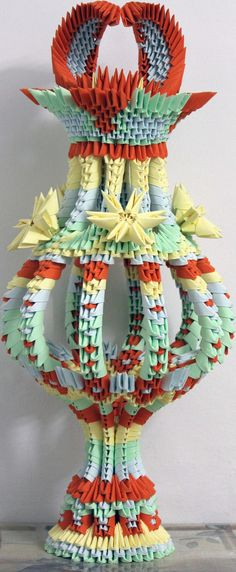 Origami vase by Catstrosity on DeviantArt Origami Artist, Origami 3d, Origami And Quilling, Modular Origami, Origami Ideas, Paper Butterflies, Paper Flowers, 3d Origami Tutorial, Diy And Crafts