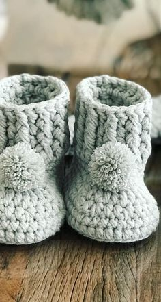 (Baby Booties Crochet Newborn) - Cute And Adorable Crochet Baby Booties Patterns And Images Crochet Baby Boots Pattern, Baby Booties Free Pattern, Booties Crochet, Crochet Baby Clothes, Crochet Baby Shoes, Newborn Crochet, Crochet Slippers, Baby Knitting Patterns, Crochet Patterns