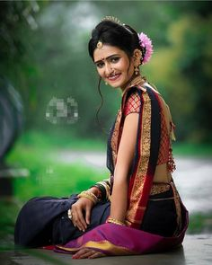 marathi girl in saree & marathi girl saree . marathi girl in saree Beautiful Girl Indian, Most Beautiful Indian Actress, Beautiful Girl Image, Indian Bride Poses, Indian Bridal Photos, Wedding Photos, Saree Photoshoot, Bridal Photoshoot, Girl Photo Poses