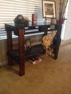 Pallet Entryway Table - Couch Table   #Pallet Furniture #DIY
