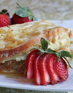Creme Brulee French Toast: Pretty much the most decadent, wonderful breakfast/ brunch recipe EVER!
