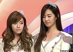 Clearly looking at each other, but trying to look innocent #Yulsic