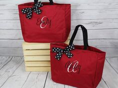 Set of Personalized Bridesmaid Tote Bags, Embroidered Tote, Monogrammed Tote, Bridal Party Gift Bridesmaid Gifts From Bride, Bridesmaid Tote Bags, Etsy Bridesmaid Gifts, Personalized Bridesmaid Gifts, Bride Gifts, Bridesmaids, Gifts For Wedding Party, Party Gifts, Wedding Ideas