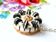 cfc4c03f3e97 Polymer Clay Oreo Cake Necklace Polymer Clay by Sweetystuff Llaveros