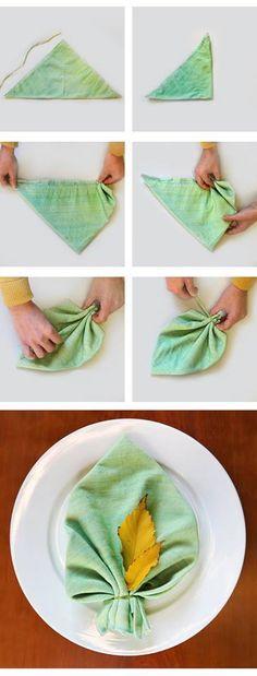 Fall Dinner Napkin Folding Ideas #napkinfoldingideas #clothnapkinfolding #holidaynapkinfolding #christmasnapkinfoldingideas #howtofoldnapkins #napkinfoldingideasforweddings #flowernapkinfoldingideas #falldinnernapkinideas