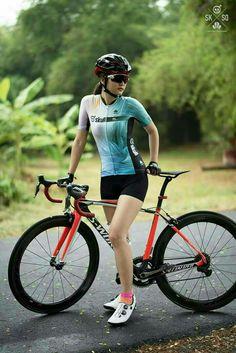New sport girl bicycle Ideas Bikini Bod, Bikini Workout, Women's Cycling Jersey, Cycling Jerseys, Cycling Girls, Cycling Art, Bicycle Girl, Sports Women, Female Sports