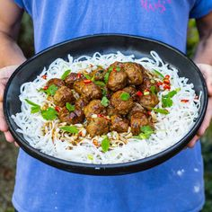 EXCLUSIVE: Benjamin Lebus, from Oxford, who wooed millennials after starting a cooking from his dorm at Edinburgh university, has released his first cookbook 'MOB Kitchen'. Fall Recipes, Asian Recipes, Great Recipes, Dinner Recipes, Ethnic Recipes, Dinner Ideas, Asian Spaghetti, Mob Kitchen, Asian Meatballs