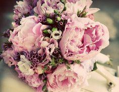 Svadobná kytica z pivónií. #svadba #pivonie #weddingbouquet #peonia #wedding #slovakia #kvetyexpres Floral Wreath, Wreaths, Weddings, Decor, Decoration, Decorating, Door Wreaths, Wedding, Dekorasyon