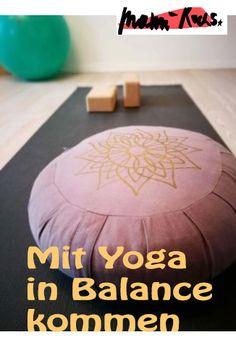 Auf der Suche nach der Mitte: Schenk Dir Yoga • Mami rocks Yoga Meditation, Yoga Fitness, Coaching, Sport Treiben, Blog, Yoga For Kids, How To Relieve Stress, Family Life, Joie De Vivre