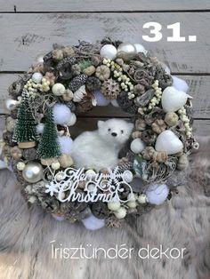 Christmas Tree Village, Christmas Owls, Christmas Wreaths To Make, Christmas Door, Rustic Christmas, Handmade Christmas Decorations, Diy Christmas Ornaments, Christmas Crafts, Advent Candles