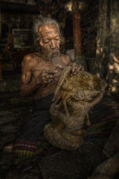 Bali - Ubud Woodcarver by toonman blchin, via 500px