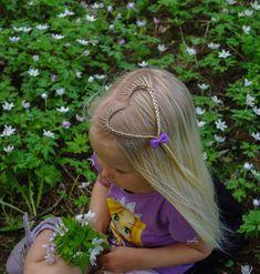 Braided heart inspired by the creative and amazing @vlechtidee . . . . . #braid #braids #braided #braiding #braidideas #braidsforgirls #flette #peinado #tresse #trenza #pelo #hair #hairdo #hairstyle #hairstyles #hairideas #hairinspo #hairofinstagram #hairoftheday #hår #blondehair #cute #heart #bow #flowers #hvitveis #blomster