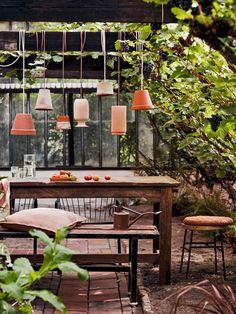 Diy Garden Table, Garden Nook, Balcony Garden, Outdoor Spaces, Outdoor Living, Glass House, Light Table, Garden Inspiration, Outdoor Gardens