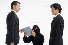 ビジネスマンと忍者 (c)BLOOM image