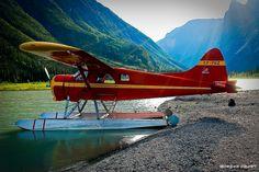 De Havilland Canada DHC-2 Beaver Mk1 (CF-FHZ). Glacier Lake Lunch
