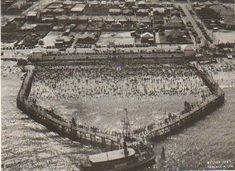 Brighton Baths,Sydney in Photo by Sydney Architecture. Old Pictures, Old Photos, Vintage Photos, Sydney Ferries, Bronte Beach, Beach Cabana, Sydney City, South Wales, Back In The Day