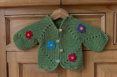 from hex Source by soilleir Crochet Baby Sweaters, Crochet Clothes, Crochet Girls, Crochet For Kids, Gilet Crochet, Knit Crochet, Baby Pullover, Crochet Instructions, Baby Patterns