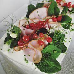 berry bakes (@berry.bakes) • Instagram-kuvat ja -videot Berry, Baking, Fruit, Instagram, Food, Bread Making, Blueberries, Meal, Bakken