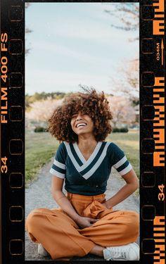 Instagram Frame, Instagram Story, Photography Women, Film Photography, Film Fr, Kodak Photos, Good Photo Editing Apps, Polaroid Frame, Kodak Film