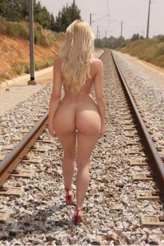 Blonds with booties