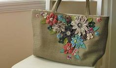 Visit Free-Purse-Patterns.com and find your new favorite purse. Choose from hundreds of free purse patterns, free bag patterns and free tote bag patterns.