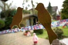 aprilkind ...: DIY: Zwitschernde Fensterdeko
