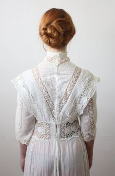 Antique dress - lace wedding dress antique dress lace wedding dress by on Etsy Edwardian Dress, Edwardian Fashion, Vintage Fashion, Edwardian Era, Moda Vintage, Vintage Mode, Vintage Outfits, Vintage Dresses, Belle Epoque