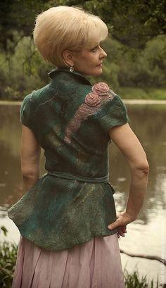 """Купить Авторская одежда жилет валяный """"Хозяйка медной горы"""" - зелёный, авторская работа"""