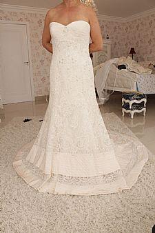 Vestido de noiva tomara que caia - R$ 2.500,00