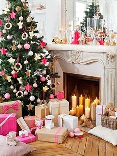 Holiday Decorating Idea: Pink christmas decorations #holiday #christmas #tree #pink