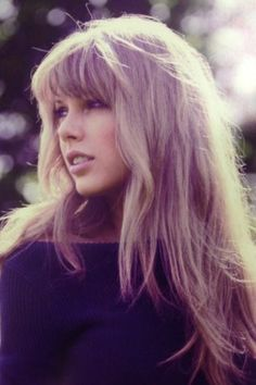 Taylor Swift; she's so beautiful here and then she became a bitchy little fame whore AND I HATE IT.