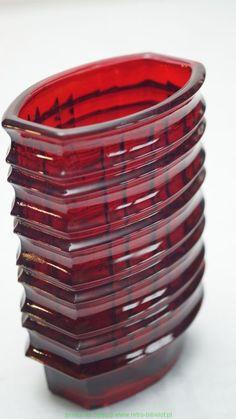 Ząbkowice 60/70  Jan Sylwester Drost, szkło prasowane Wymiary:  Wysokość 17,2 cm  Wymiary u góry 12,8 cm x 8 cm