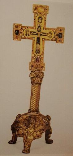 Reliquiario della Croce dal tesoro dei Guelfi  XI secolo  oreficeria lombarda  Berlino  Kustgewerbemuseum