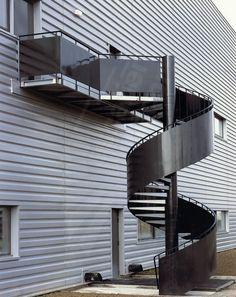 Escalier Hélicoïdal Industriel - ESCALIERS DÉCORS® IH14 - © Photo : Philippe CHARBONNIER