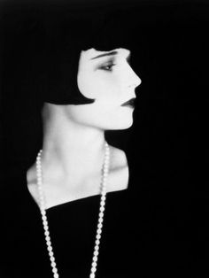 Vintage Print - Louise Brooks (1928) - Flapper Fashion - Flapper Hair