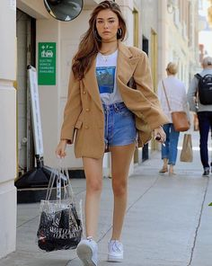 - Madison Beer 2019 Source by - Madison Bier, Madison Beer Style, Estilo Madison Beer, Madison Beer Outfits, Fashion Star, Fashion Outfits, Modest Fashion, Fashion Clothes, Jeans Outfit Winter