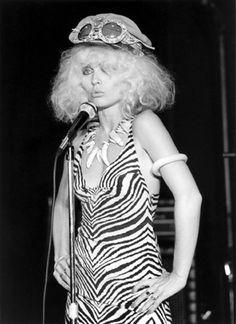 Debbie Harry Live - Max's Kansas City, NYC, 1976 Bob Gruen, Rock and Roll Photographer - Blondie Photos Kansas City, Women Of Rock, Blondie Debbie Harry, We Will Rock You, New York, The Clash, John Lennon, Blondies, New Wave