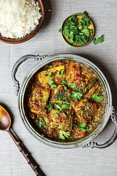 Bengali-Style Fish Stew (Maacher Jhol) I think I need to add this to my cook as soon as possible list. Best Indian Recipes, Asian Recipes, Healthy Recipes, Ethnic Recipes, Curry Recipes, Bengali Fish Recipes, Weekly Recipes, Fast Recipes, Soup Recipes
