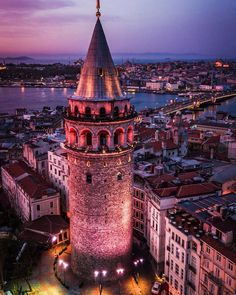 Galatea tower in istanbul – – - Urlaub Istanbul City, Istanbul Travel, Wonderful Places, Beautiful Places, Hagia Sophia, Turkey Travel, Disney Instagram, Tower Bridge, Where To Go