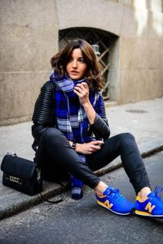 14 Outfits casuales y fashionistas con tenis New Balance. azul new balance