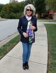 Scarf tying tips from Fifty not Frumpy. I like the sleek ideas here.