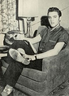 A shot of Elvis in his hotel room in Los Angeles, CA in connection with his appearance on the Milton Berle Show on June 5, 1956.
