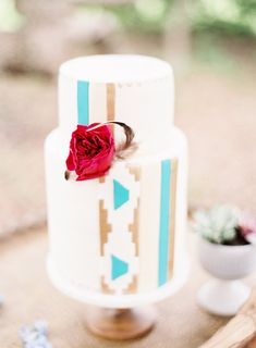 Southwestern inspired cake - photo by Sarah Beth Photography http://ruffledblog.com/bohemian-aztec-wedding-inspiration #weddingcake #cakes