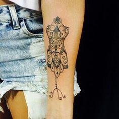 Tattoo manequim costura