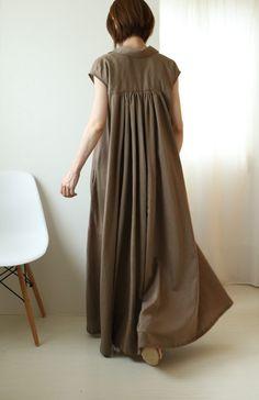 Batik Fashion, Diy Fashion, Fashion Outfits, Sewing Clothes, Diy Clothes, Kaftan, Japan Fashion, Fashion Books, Dress Me Up
