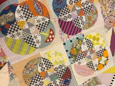 A new favorite from our good friend Jen Kingwell! We'll have the pattern and templates mid June! Leave a comment If you want to order this beauty, price nok 298,-. LOVE! #kathrinesquiltestue #quiltshopinnorway #kathrinesquiltestueatquiltmarket #quiltmarket2017 #quiltmarket #quiltinginoslo #jenkingwelldesigns @jenkingwell #quiltshop